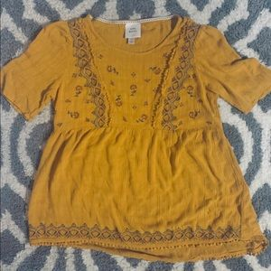 Knox Rose embroidered mustard yellow blouse